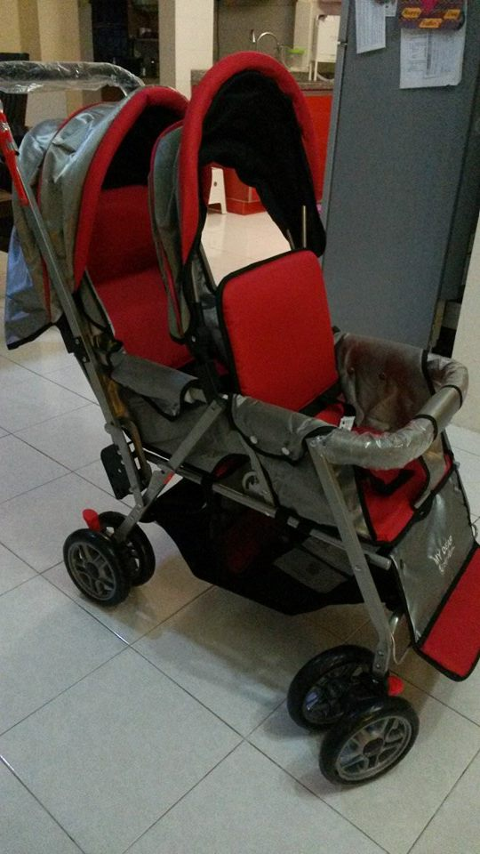 stroller kembar depan belakang  merah